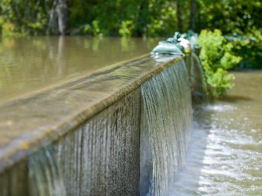 636068707845148501-tda.flooding.vermillion.08.15-1649.jpg
