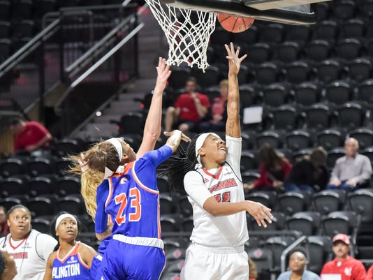 636242526860883552-Cajuns.UTA.women.basketball.03.04-7585.jpg