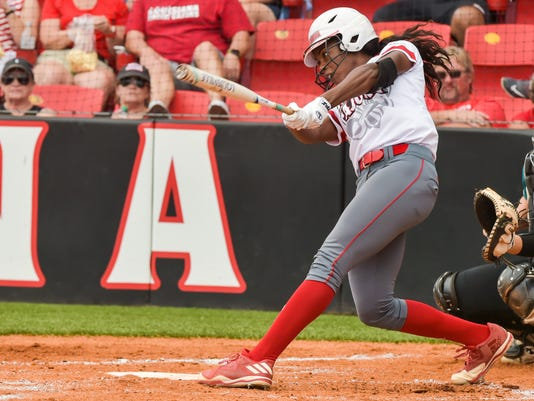 636290859135502380-Cajuns.softball.Coastal.04.29-9420.jpg