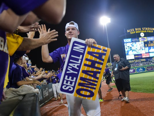 636328338656171677-win-LSU-Ms.State.baseball.saturday.06.10-9437.jpg