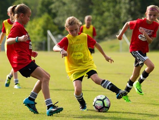 636348798214640459-JM.soccer.070517.002.jpg