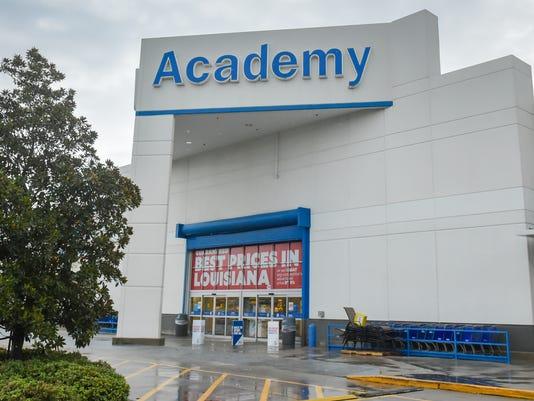 636373038427452767-Academy.shopping.spree.08.02-8026.jpg