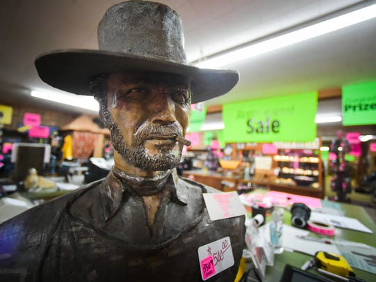 Cal's Western Store closes the doors after 58 years.