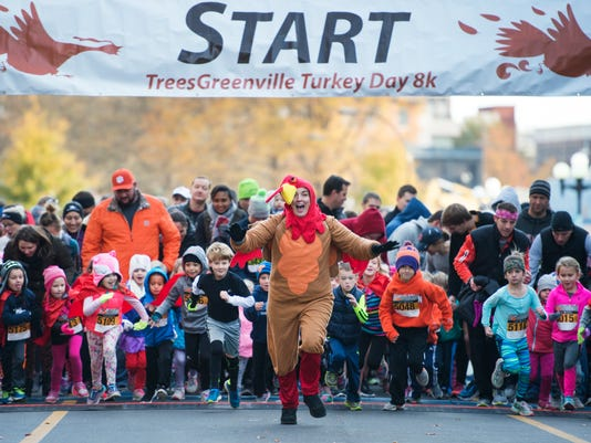 636470292995997121-LP-turkey-day-run-112317-005.JPG