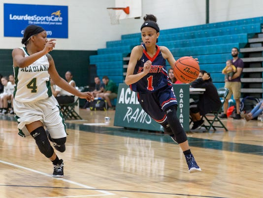 636476787046152810-LCA.Acadiana.Girls.basketball.11.30-8350.jpg