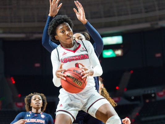636483655236621396-Cajuns.Auburn.women.basketball.12.8-3708.jpg