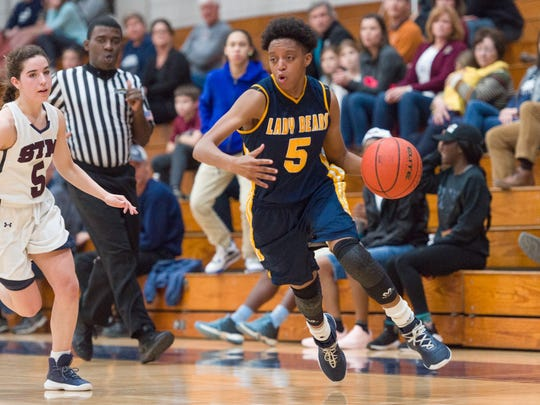 Carencro's Ava Jones and the Lady Bears are the No. 8 seed in the Class 4A state playoffs.