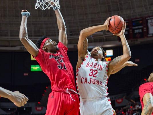 636555401542820534-Cajuns.Arkansas.men.Basketball-03.01-5813.jpg