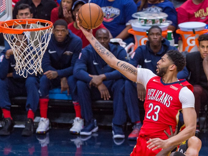 Anthony Davis takes it to the basket as The New Orleans