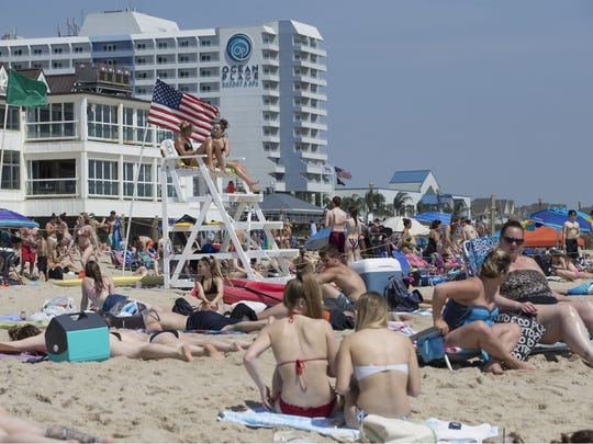 People flock to the beach in Long Branch to enjoy the beautiful weather as Memorial Day weekend gets underway. Long Branch, NJ Friday, May 25, 2018 @dhoodhood