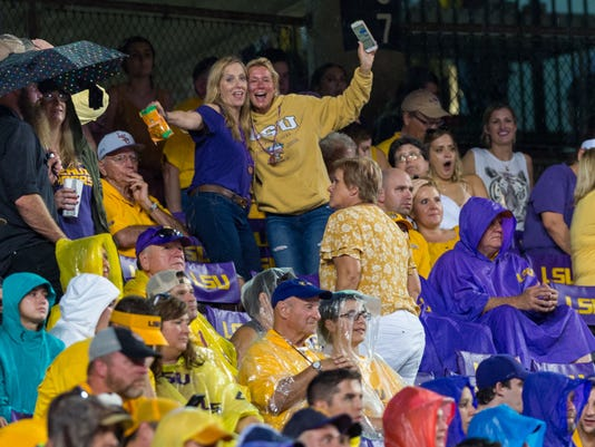 636738701694830094-LSU.OleMiss.football.09.30.18-3204.jpg