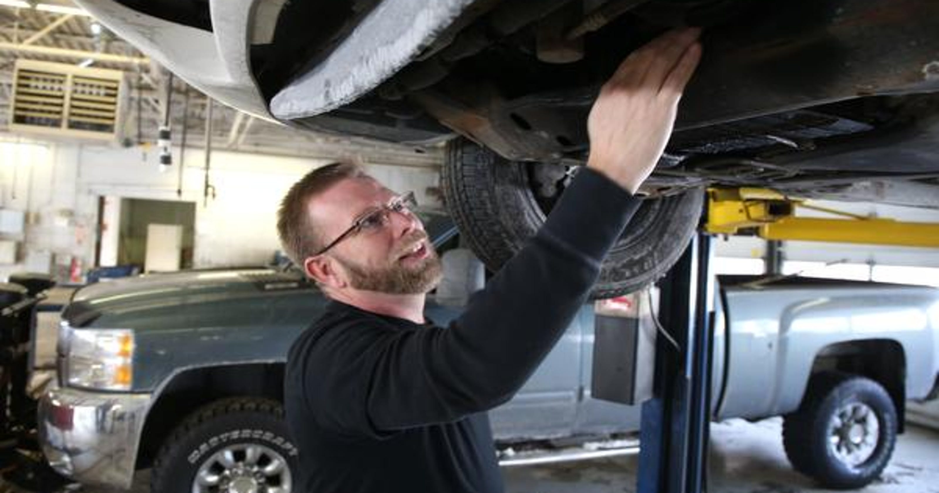 Self-serve auto shops cater to DIY mechanics