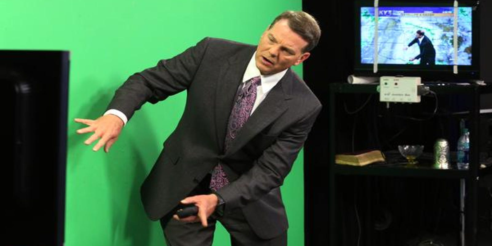 Weatherman Ron Hearst wore shorts on air  Here come the memes