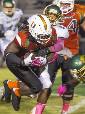 Dunbar running back Abraham Alce has four straight games of 100 yards or more heading into a key game against Fort Myers on Friday.