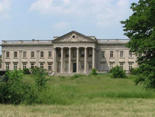 Lynnewood Hall has 100 rooms and over 50 bedrooms.