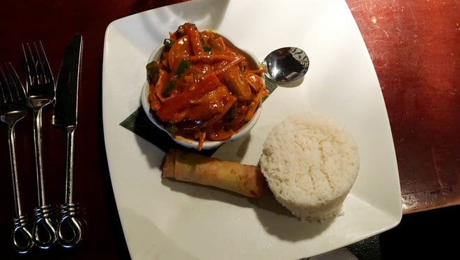 Ms. Cheap's favorite under $10 lunch at Jasmine, the Thai restaurant in the Cool Springs area, is the red curry chicken.