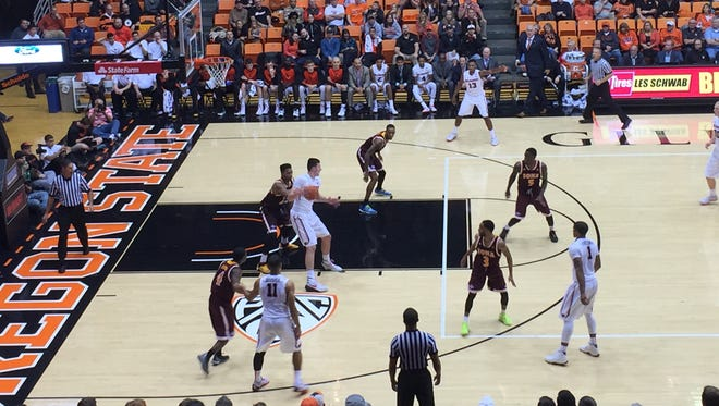 Freshman forward Drew Eubanks scored 19 points in the Beavers' 93-73 victory over Iona at Gill Coliseum on Feb. 17, 2015.