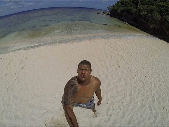 Southern Cal offensive lineman Zach Banner spent some time on the Guam beaches this summer before he begins his redshirt junior season with the Trojans.