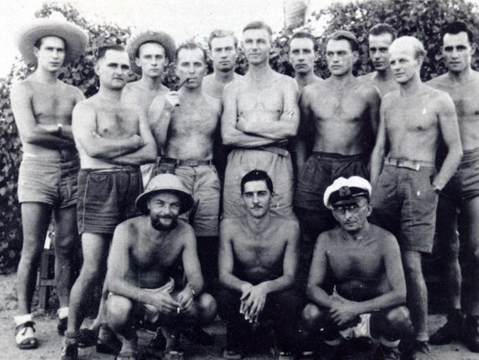 Some of the 25 German prisoners who escaped from Camp