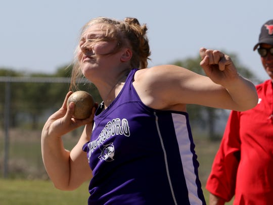 Jacksboro's Baylee Thompson competes in the 3A shot