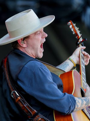 Kiefer Sutherland performs at Bourbon and Beyond.