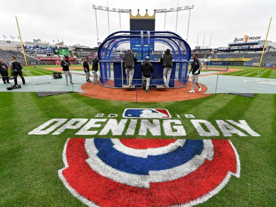 The Chicago White Sox take batting practice during a baseball workout, Wednesday, March 28, 2018, at Kauffman Stadium in Kansas City, Mo. The White Soxe face the Kansas City Royals on opening day Thursday. (John Sleezer/The Kansas City Star via AP)