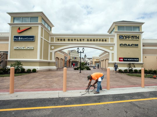 Outlet Mall Traffic Congestion--PEARL+08.jpg
