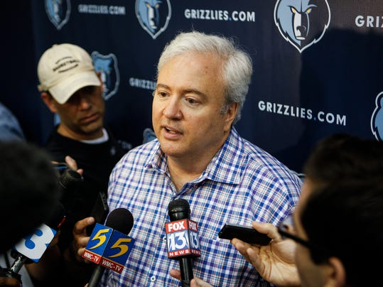 Memphis Grizzlies interim general manager Chris Wallace addresses the media after a pre-draft workout with prospects in Memphis, Tenn., Friday, June 20, 2014.  (AP Photo/The Commercial Appeal, William DeShazer)