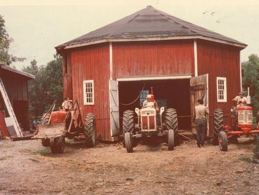 635863087052004866-ITH-12xx-8-side-barn-01.JPG