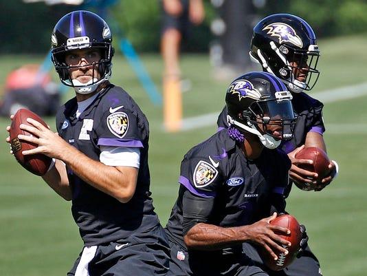 Ravens_Quarterbacks_Football_42762.jpg