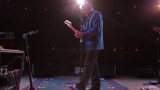 Country legend Glen Campbell embarked on one final tour after being diagnosed with Alzheimer's disease.