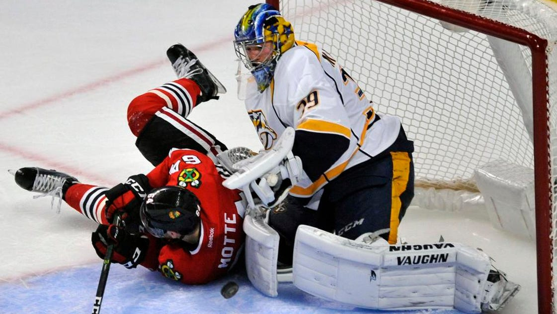 636121692737868521-predators-blackhawks-hockey