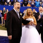 Couple gets married on field before Colts-Broncos game