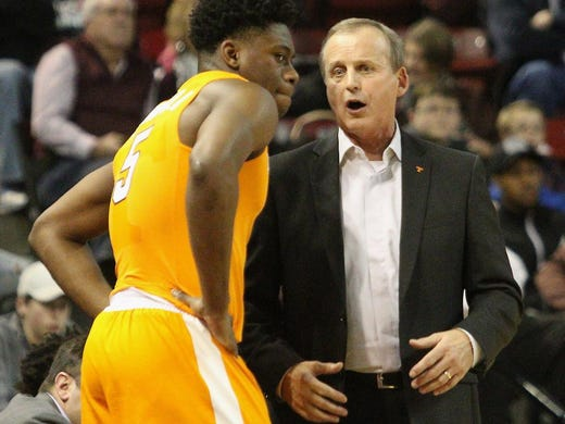 Tennessee Basketball: Phillip Fulmer Taught Rick Barnes