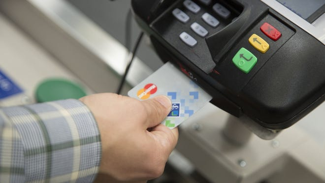Retailers Pushing Banks and Card Networks to Adopt Chip and PIN.