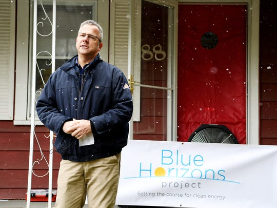 Robert Sipes, vice president of Western Carolinas Modernization Project at Duke Energy, speaks at a Blue Horizons Project home in Kenilworth March 21, 2018.