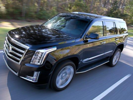 2015-Cadillac-Escalade-047