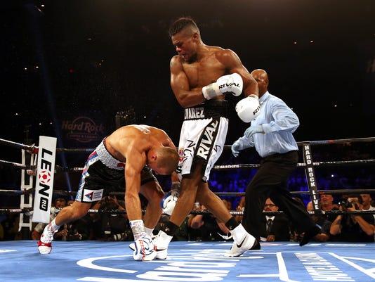 Kovalev_Alvarez_Boxing_50321.jpg