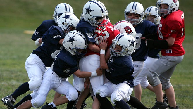 Football leagues are registering players for leagues throughout the El Paso area.