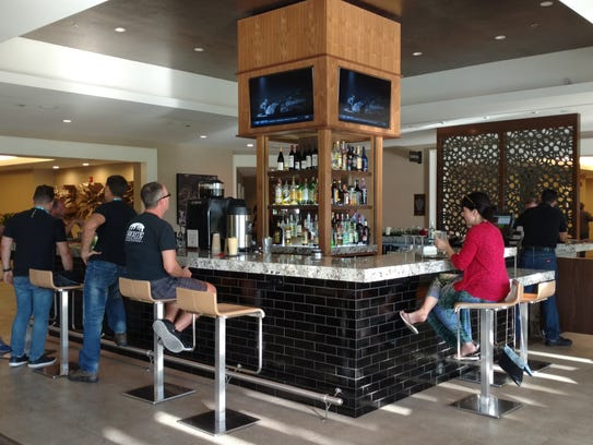 Desert Dining Double Tree Offers New Food Outlets