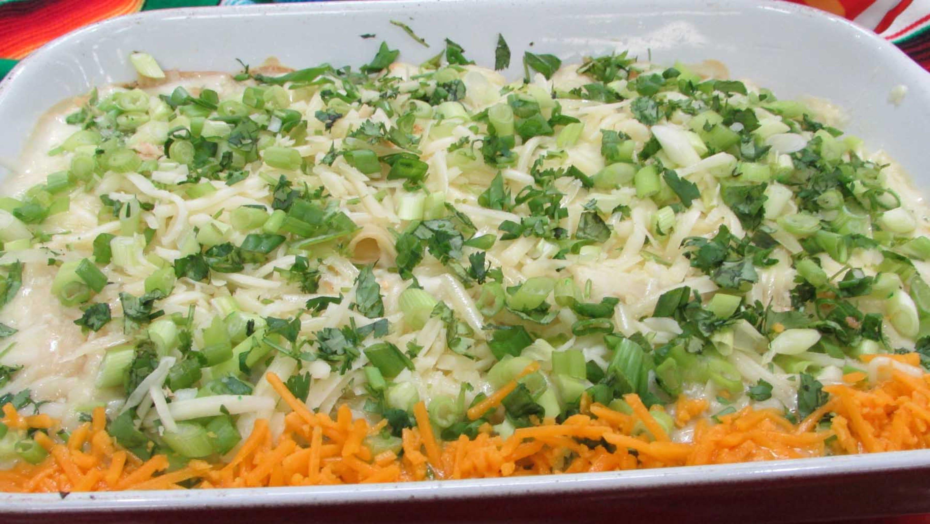 Layered Nacho S... Nacho Salat