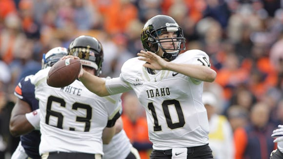 Idaho quarterback Matt Linehan throws against Auburn