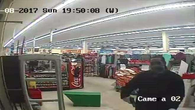 Detroit police are seeking tips to locate two suspects wanted in connection with robberies at Family Dollar stores on the west side this month.