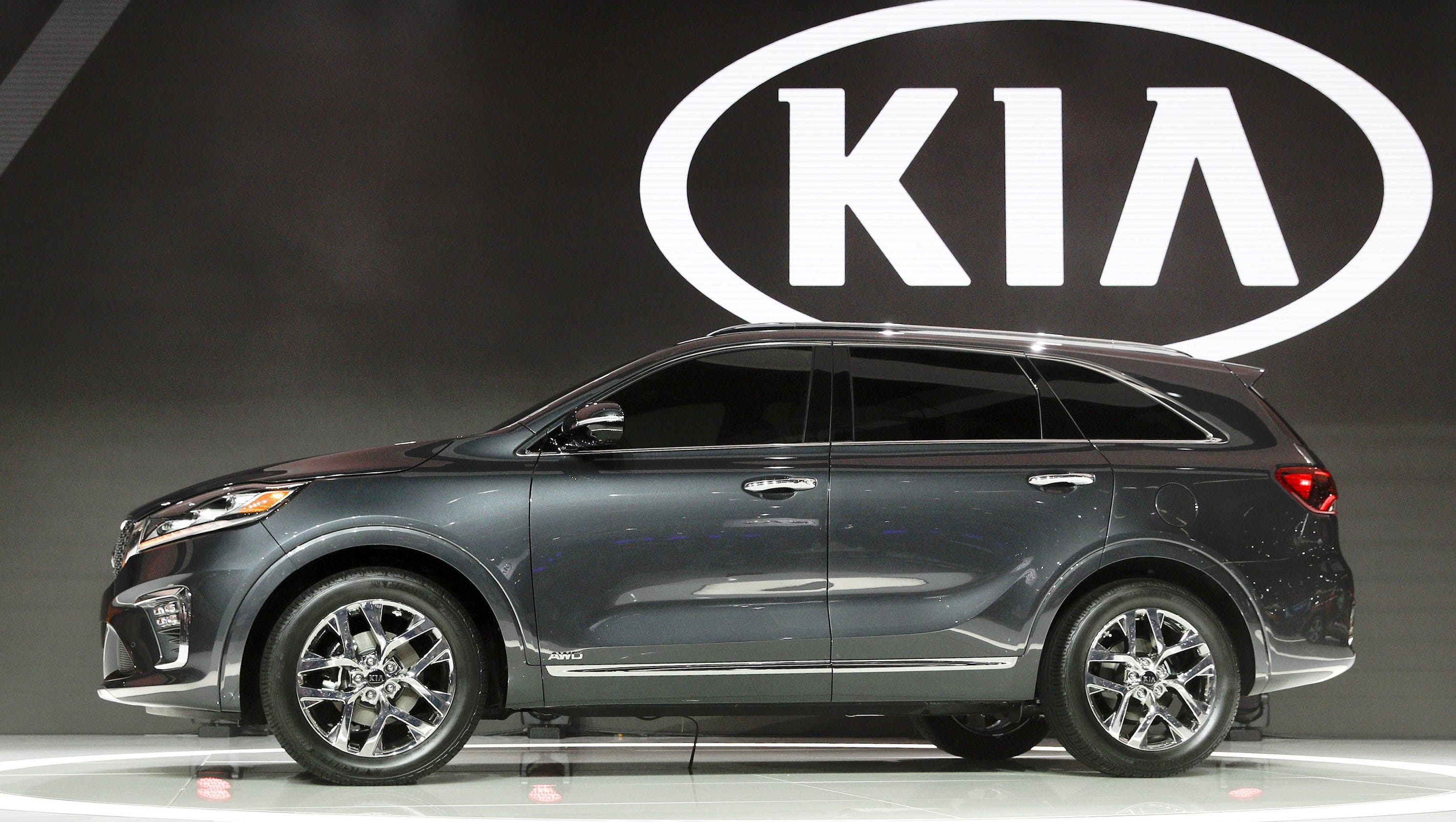 Kia 39 s new sorento suv is off road monster for Kia motor company usa