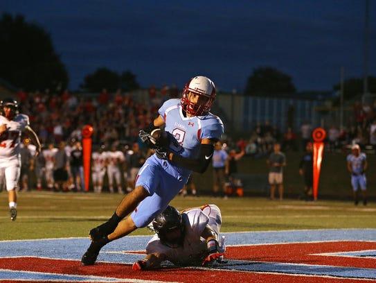 Glendale wide receiver Corbin Lukes catches a touchdown