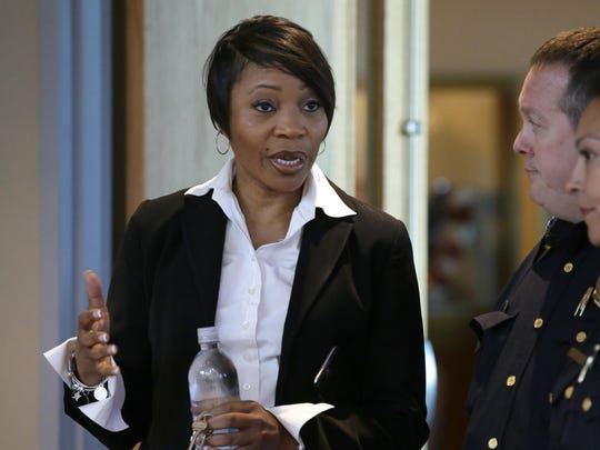 U. Reneé Hall, chief of the Dallas Police Department, resigned Tuesday after the mayor and councilors were concerned about their conduct and the department's treatment of recent protests.