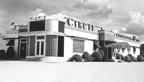 The Circle Restaurant at Landis Avenue and Delsea Drive in Vineland was a local landmark from 1937 to 1969.