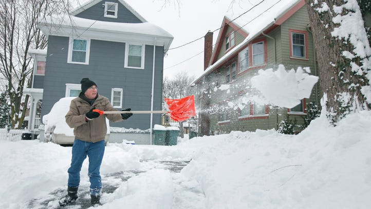 Heavy snow increases threat of heart attacks
