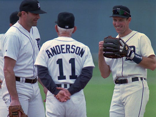 Tigers' manager Sparky Anderson, center, talks with