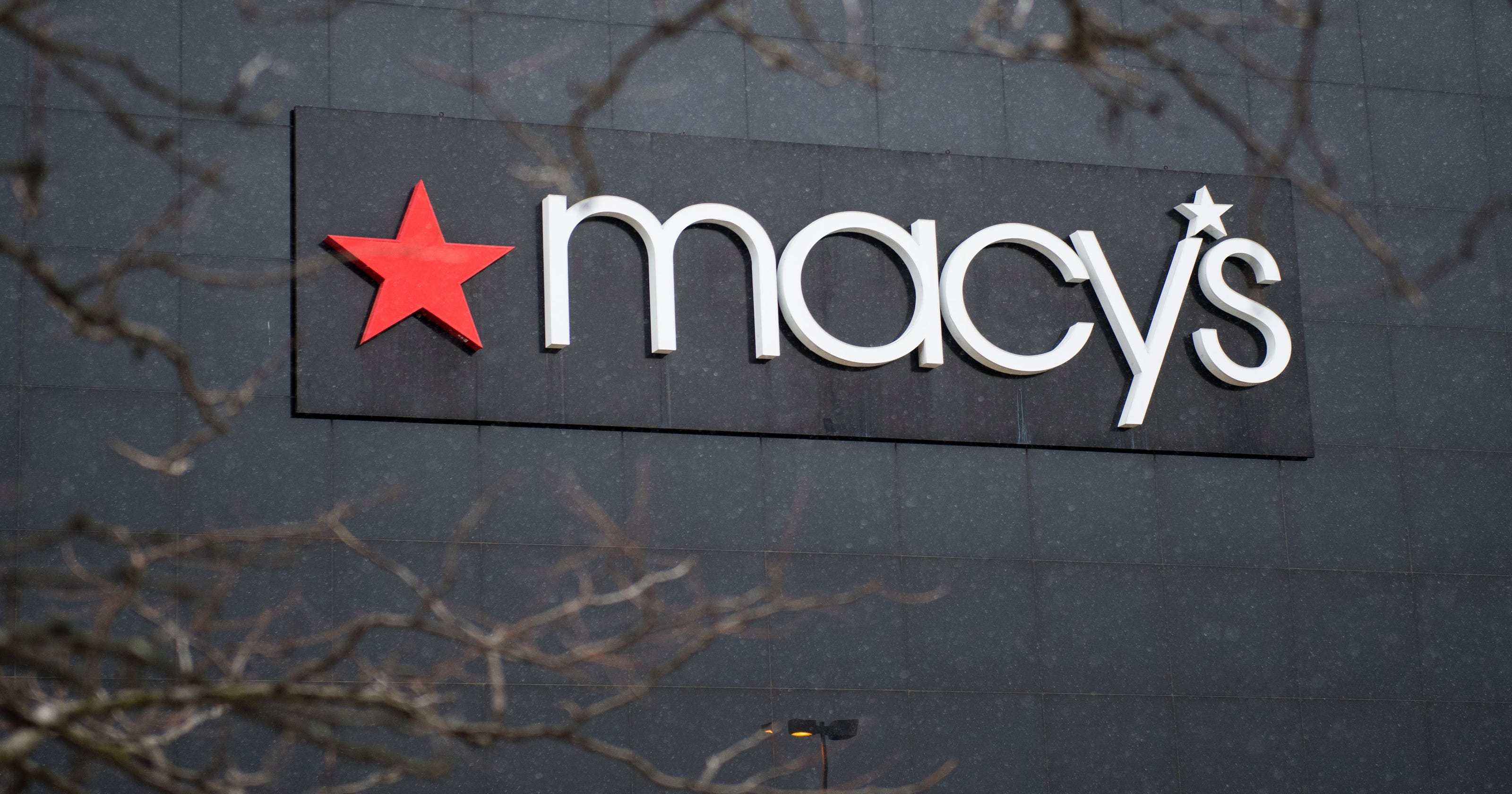 macy s to add mobile checkout lets shoppers skip the sales clerk